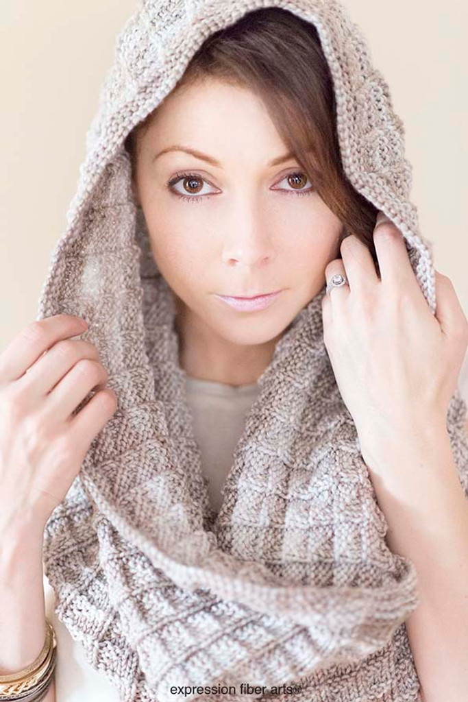 Free Champagne Knitted Cowl Pattern