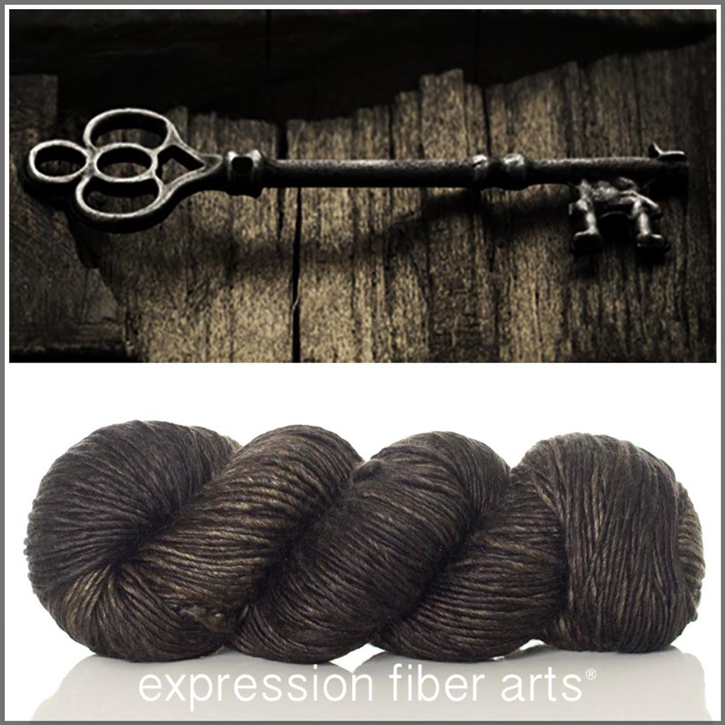 BLACKENED BRONZE SUPERWASH MERINO SILK PEARLESCENT WORSTED