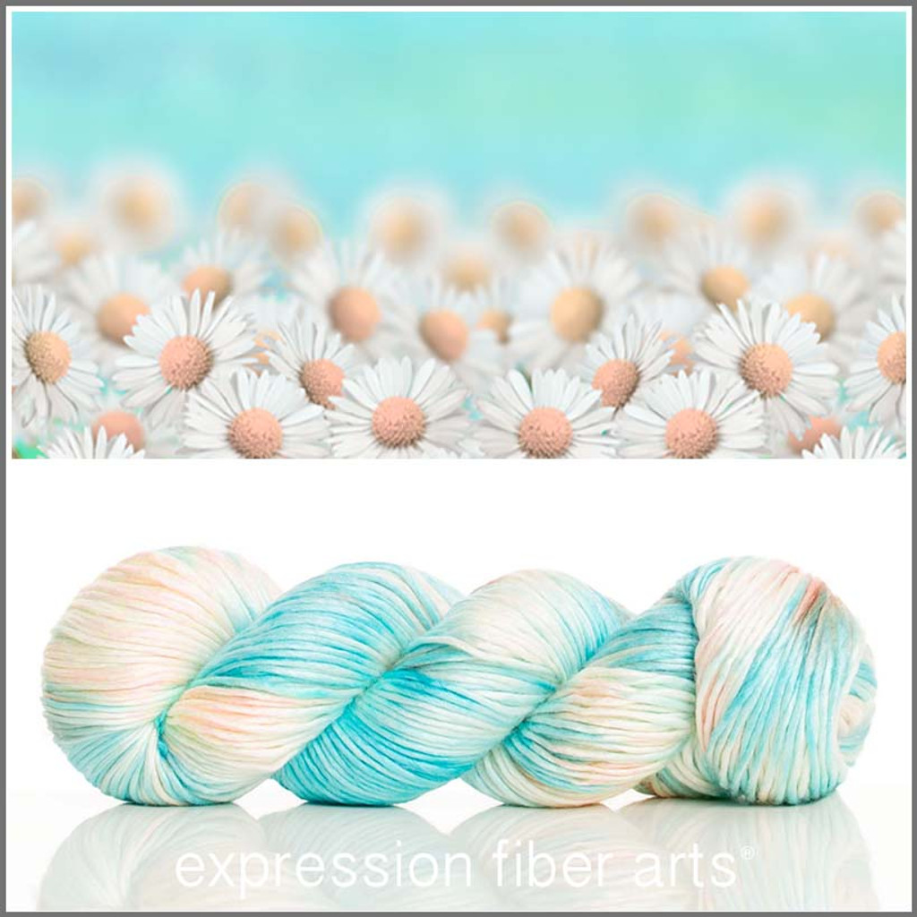 FIELD OF DAISIES 'PEARLESCENT' WORSTED