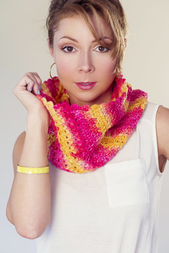 Free Juicy Cowl Crochet Pattern