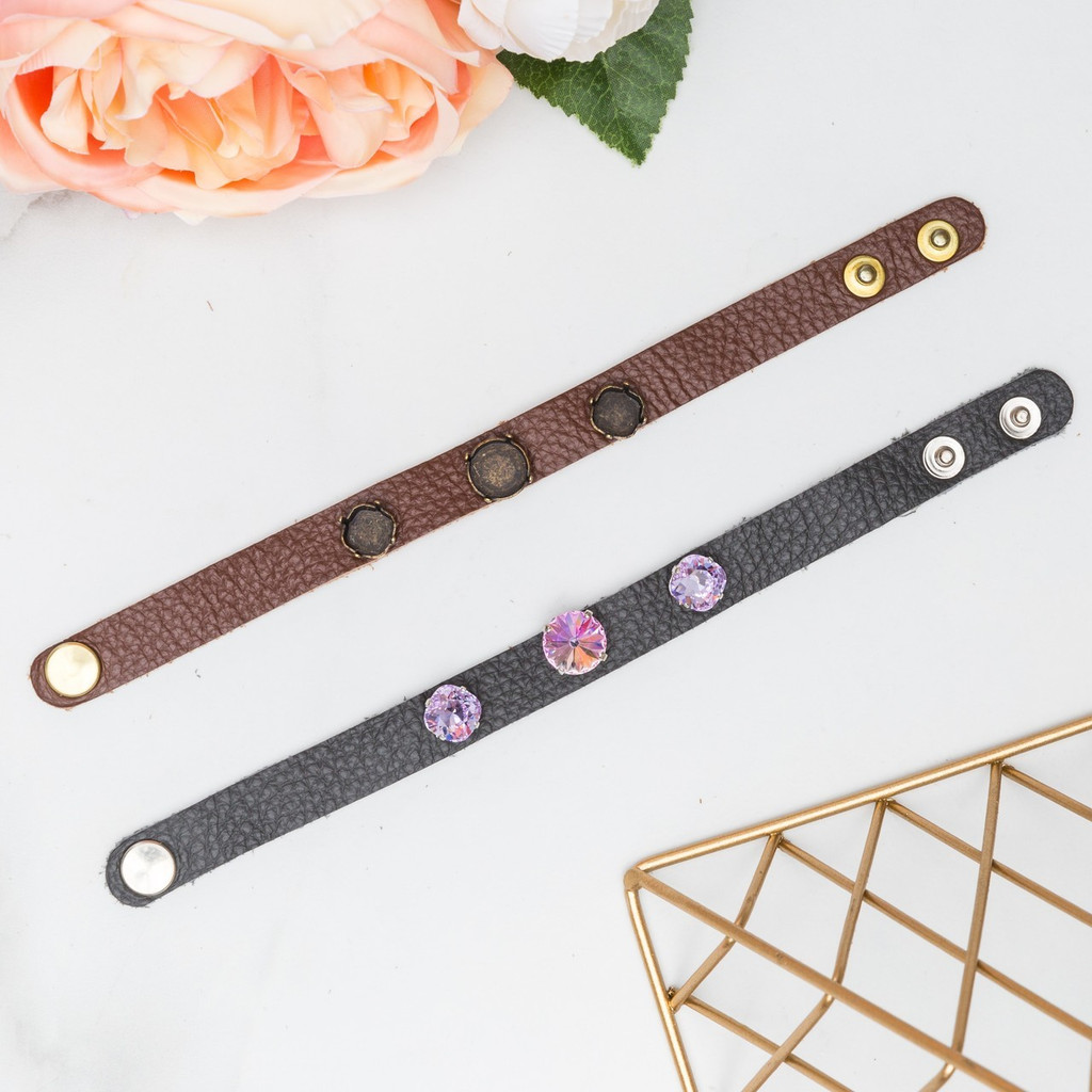 12mm Round & 10mm Square | Three Setting Classic Leather Bracelet | One Piece