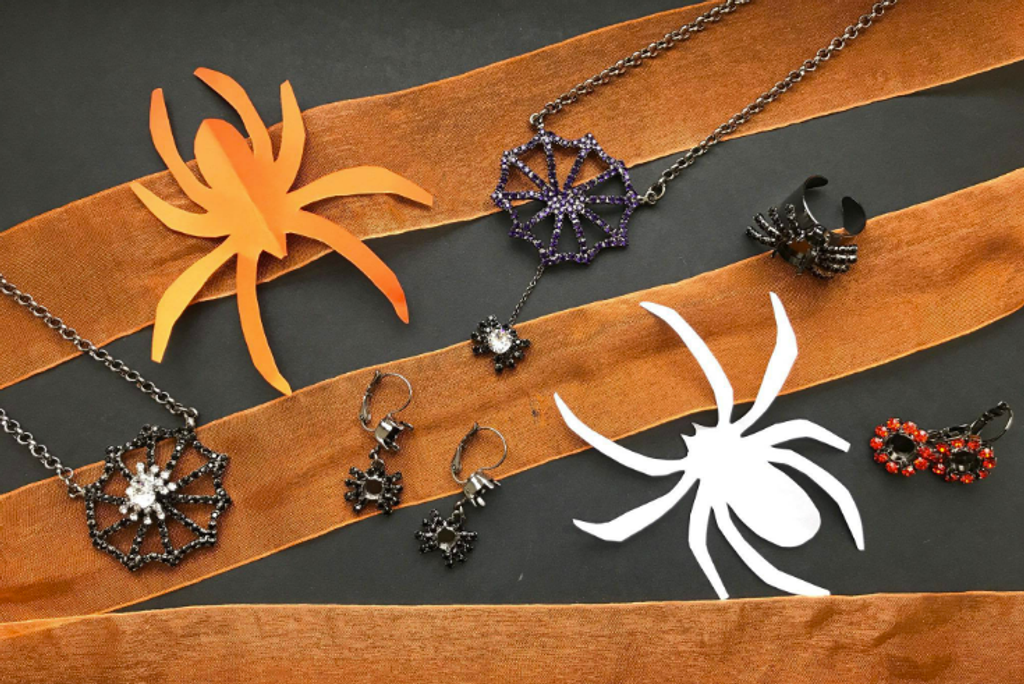 LVR celebrates Fall with our new Halloween Collection!