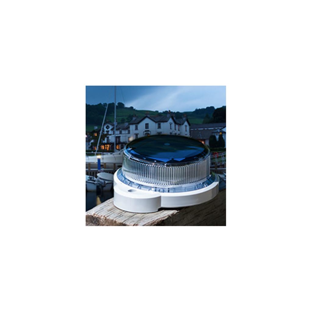 HarborWare High Output Solar Marine Light, M550