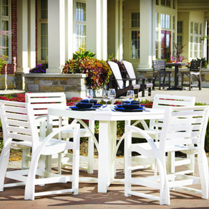 Generation Line Outdoor Dining