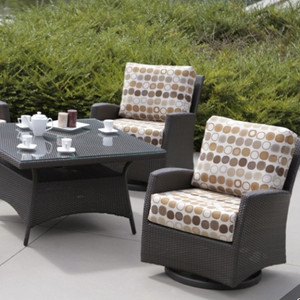 Palm Harbor Outdoor Seating Collection