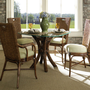 Callaway Dining Collection
