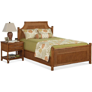 Summer Retreat Arched Queen Complete Bed with Nightstand
