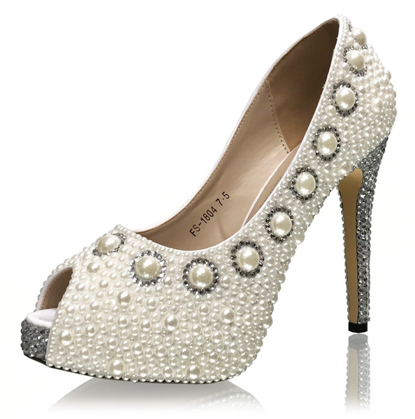 Bridal Pearl Vintage Pumps