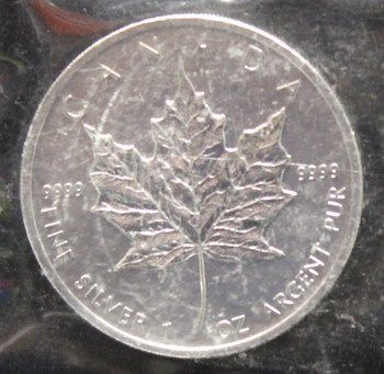 1oz. 2010 CANADIAN SILVER MAPLE LEAF COIN