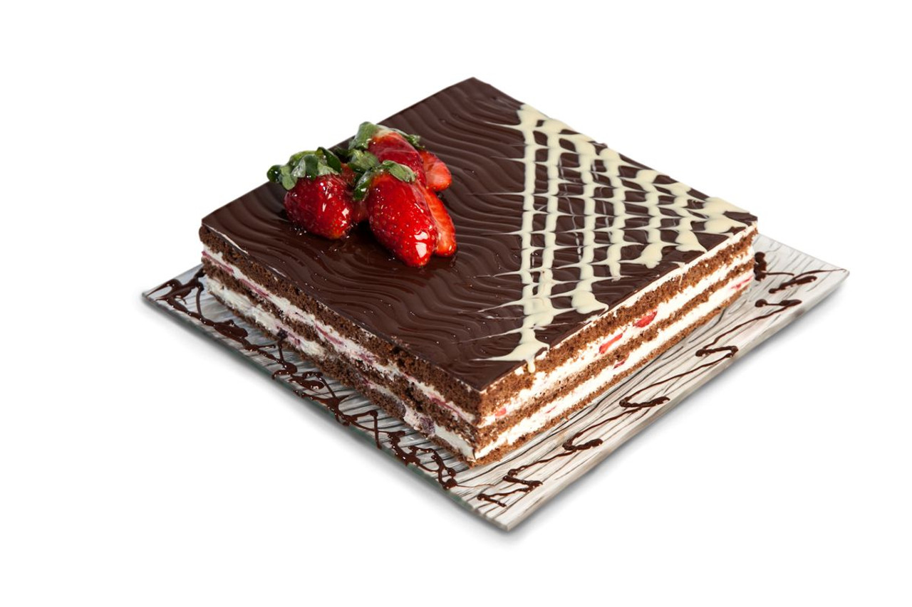 Send Chocolate Strawberry Cake to friends family in Thessaloniki