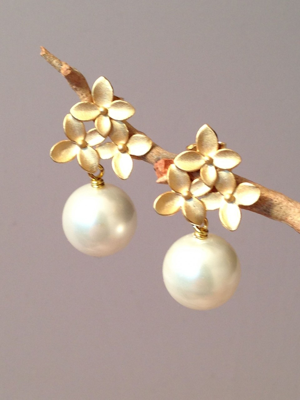 peral winterson yellow stud gold peacock in tahitian earrings pearl