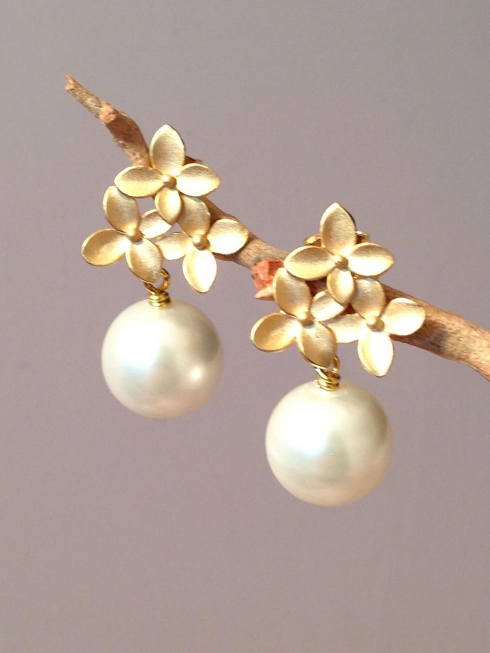 Pam Older Designs Matte Gold Floral Pearl Earrings