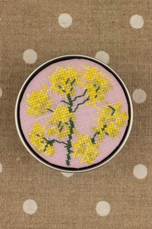 Sajou Cross Stitch Kit - Dyer's Woad - Box to Embroider