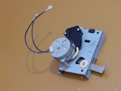 Jenn Air Slide In Electric Range Oven SVE47500B Door Latch Mechanism 71001845