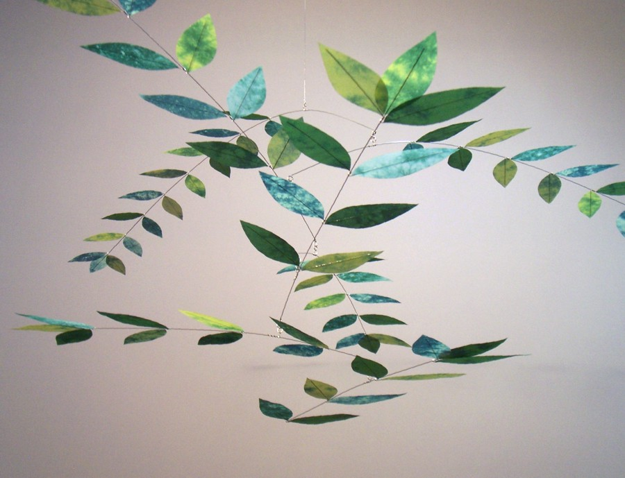 Moon-Lily Dappled Leaf Mobile in Spinach/Celadon/Jade