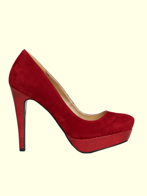 Margaret Red Velvet Pump