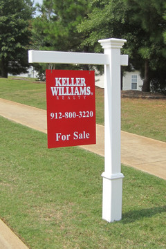 "Savannah Real Estate Post - Shown with 5ft post, 36in arm and 18""W x 24""L sign"
