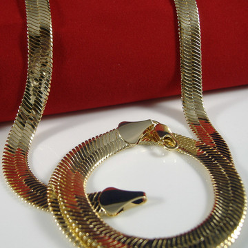 9mm 30 Inch 14k Gold Herringbone Link Chain Necklace