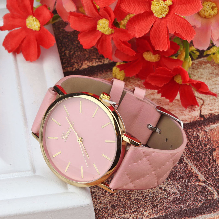 Ladies Casual Geneva Checkers Leather Wrist Watch