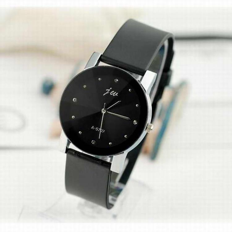Gentlemen's Leather Charcoal High-Fashion Wrist Watch