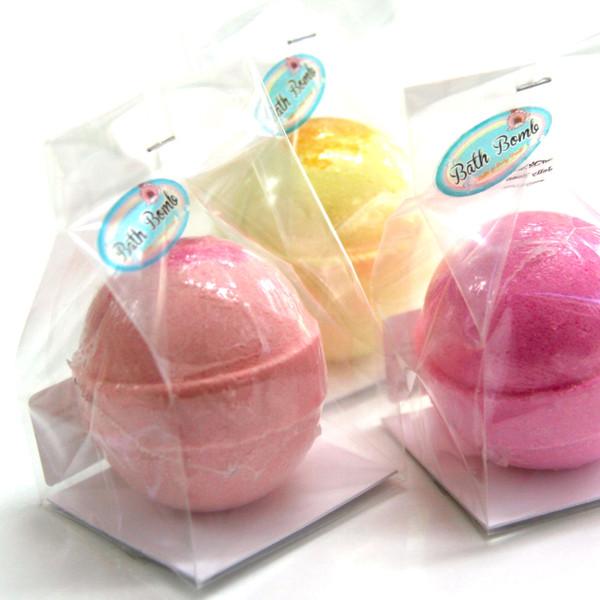 Packaging example for singular bath bombs egg size