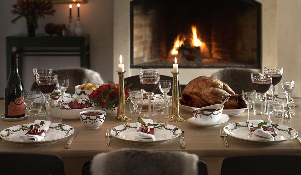 Star Fluted Christmas Dinnerware