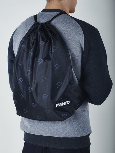 "MANTO ""EMBLEM"" DRAWSTRING BAG Black"