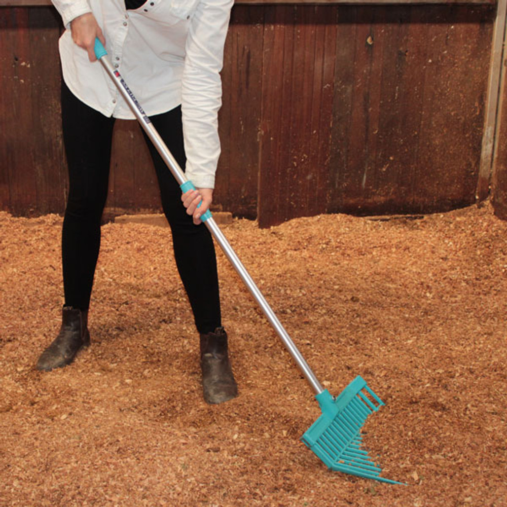 The Wm.Faulks Bedding Fork is the perfect tool for every stable or garden.