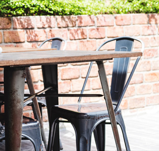 Outdoor seating & furniture