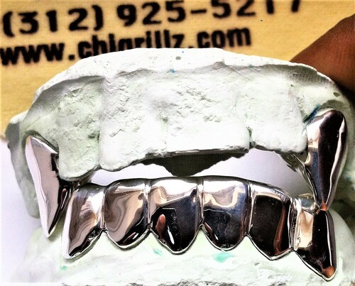 ChiGrillz Top and Bottom Grillz STYLE-Y0504 Top and Bottom 2 Top Fangs Long 6 Cap Bottom