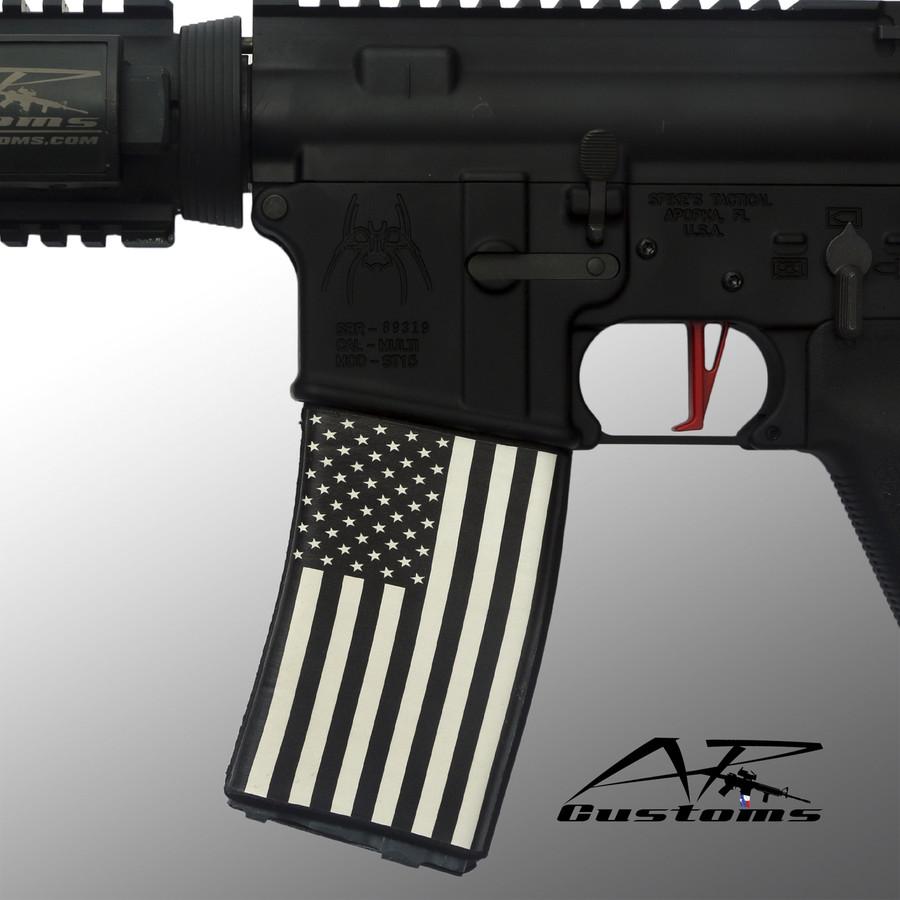BLACK & WHITE US FLAG