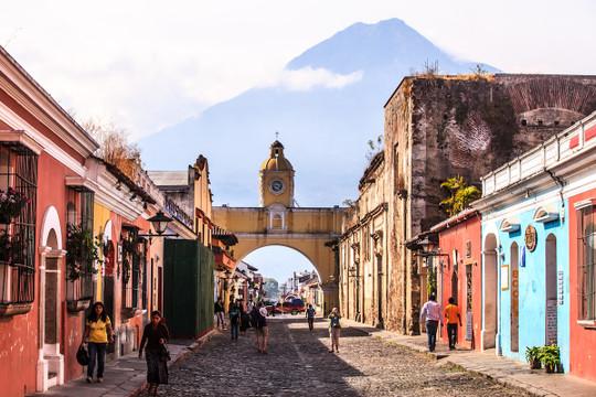 Coffee of the Month: Guatemala Antigua Hunapu Bourbon