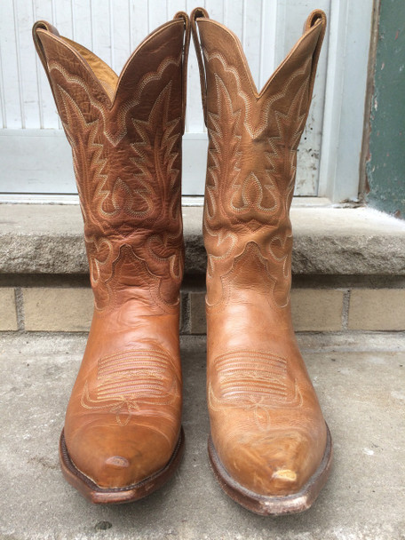Boot on the left is treated with Black Rock Rich N Leather. The one on the right side is untreated.