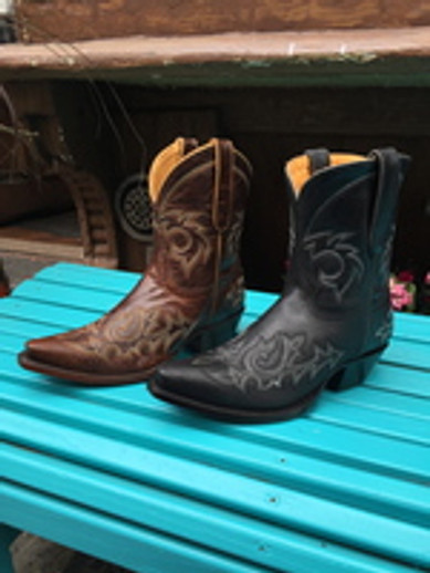 Kick up your heels with cowboy boots on -- and a DISCOUNT!