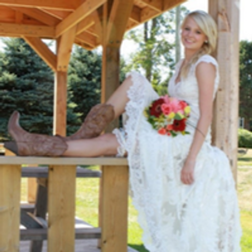 Brides who wear cowboy boots are SEXY!!!
