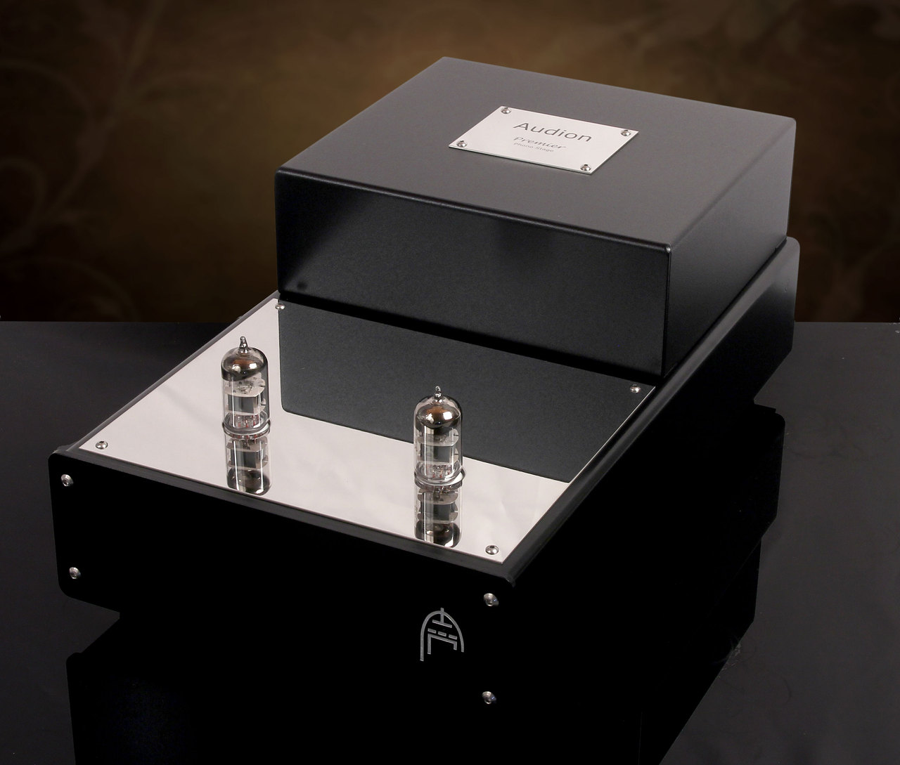 Audion Premier MM Phono Stage.Active class-A with exclusive Audion buffer auto bias for all MM cartridges. Now at True Audiophile. Exclusive U.S. Importer for Audion tube equipment.