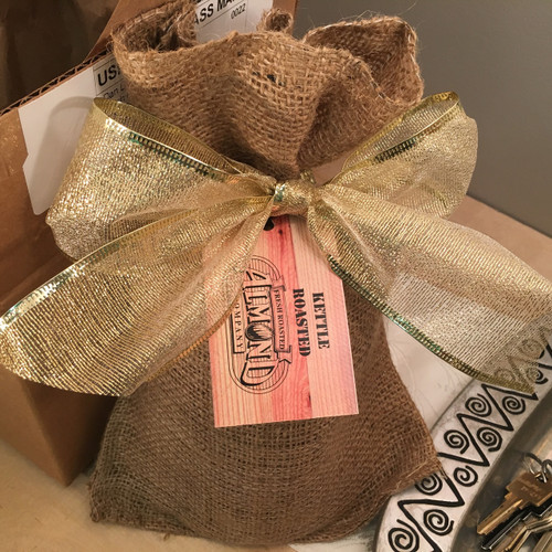 One lb. of our of our most popular flavored nuts in a real burlap bag, elegantly tied with a lace bow.  As an added touch, customize this gift with your company's logo or message.