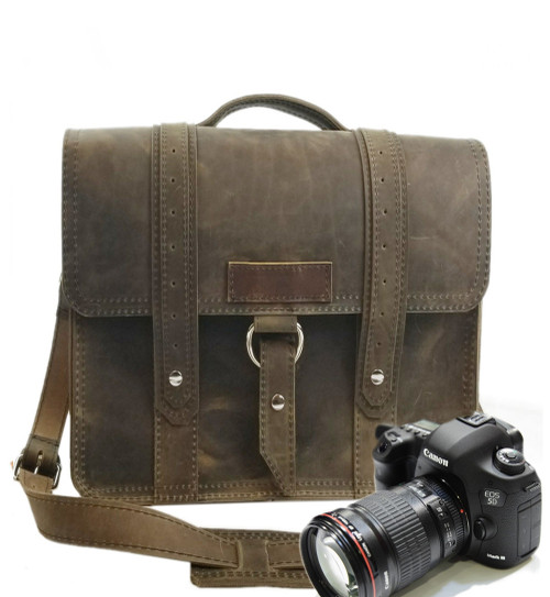 "10"" Small Voyager Napa Safari Camera Bag in Distressed Tan Oil Tanned Leather"