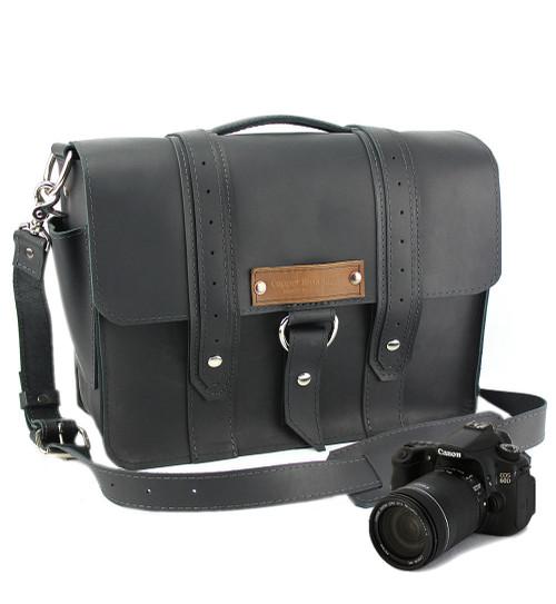 "14"" Medium Newport voyager Camera Bag in Black Leather"