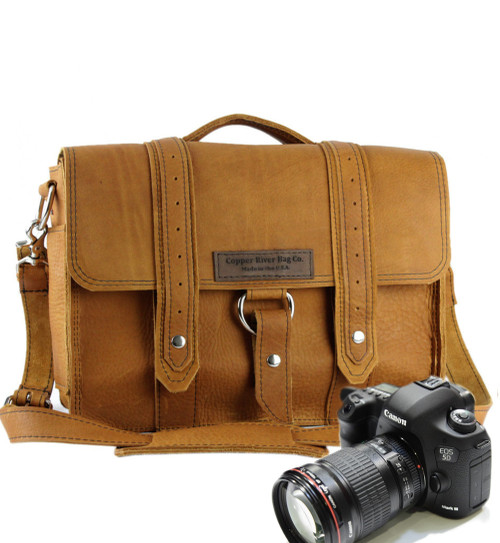 "14"" Medium Newport Voyager Camera Bag in Tan Grizzly Leather"