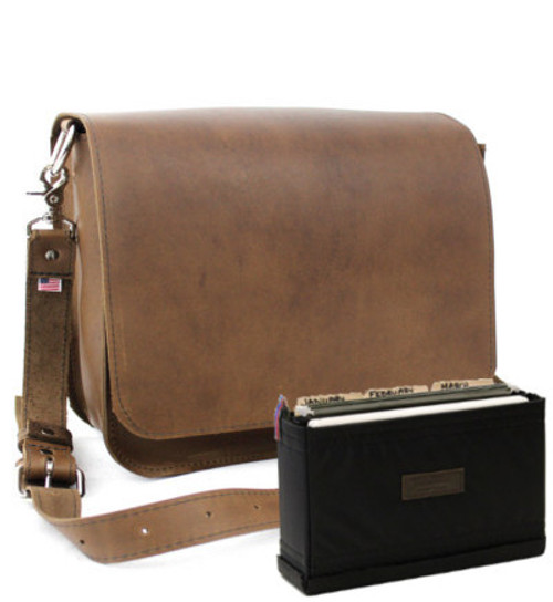"15"" Medium Rockport Mission Briefcase in Brown Oil Tanned Leather"