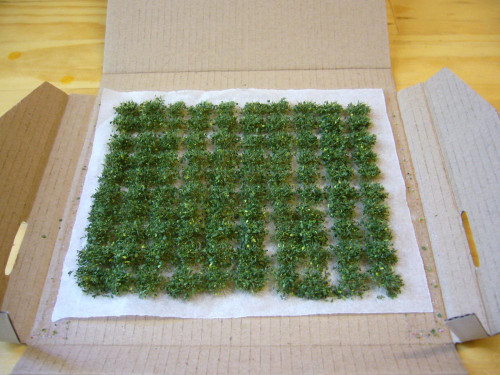 LeadBear Tufts  - Leafy Tufts (approx 6mm high)