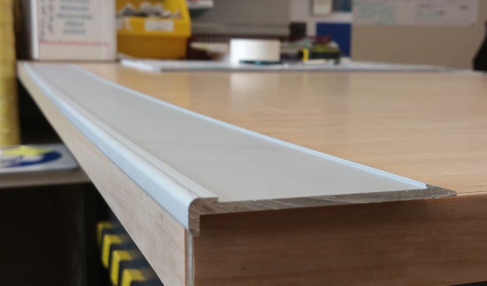 Aluminium Slimline Stair Nosing 960mm RAW 80x10mm - Ramp Back