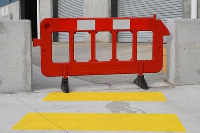 Portable Orange Plastic Fence Barrier 2000x1000 c/w rubber feet (13 kgs)