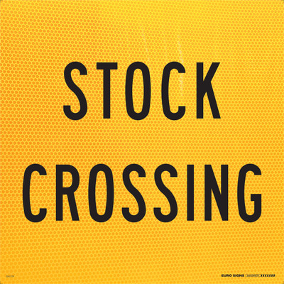 STOCK CROSSING 600x600 Corflute HI-INT BLK/YLW