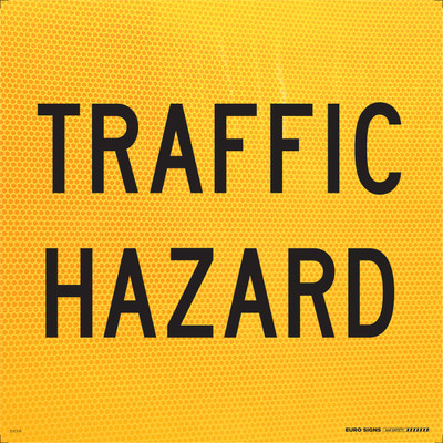 TRAFFIC HAZARD 600x600 Corflute HI-INT BLK/YLW