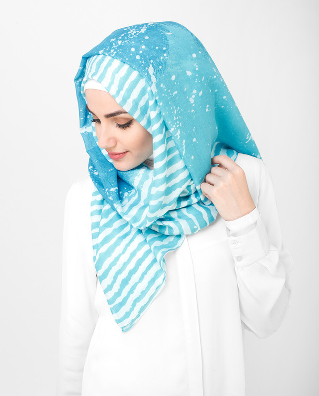 White And Blue Print Stripe Bold Viscose Hijab