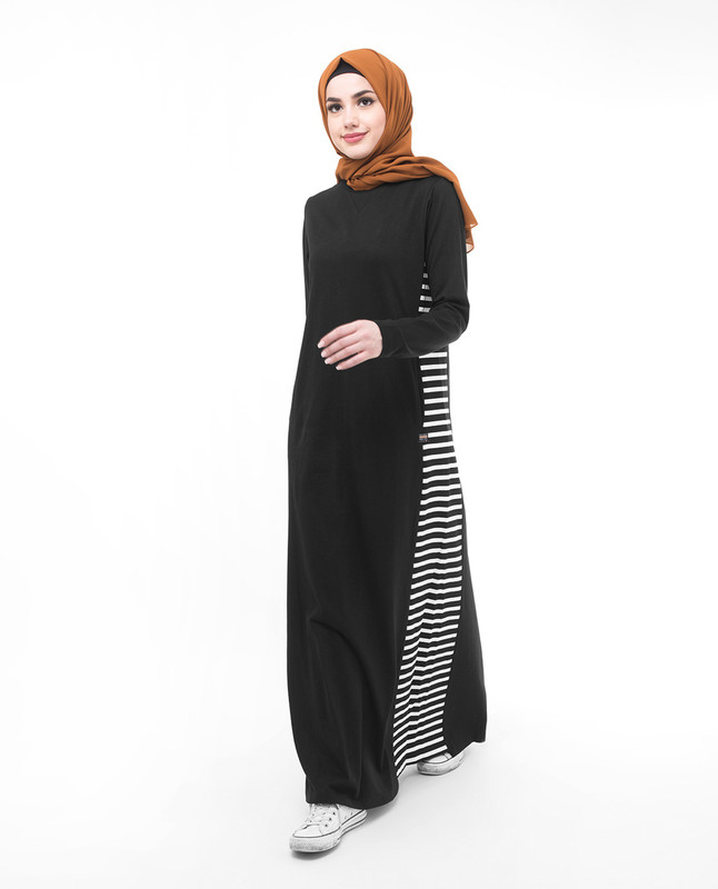 Black and white stylist abaya jilbab