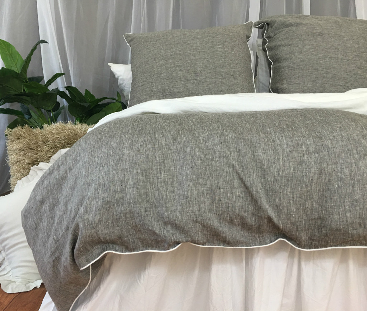 Marvelous Chambray Grey Linen Duvet Cover With Soft White Piping, Available In Twin,  Full, Queen, King, Calif.