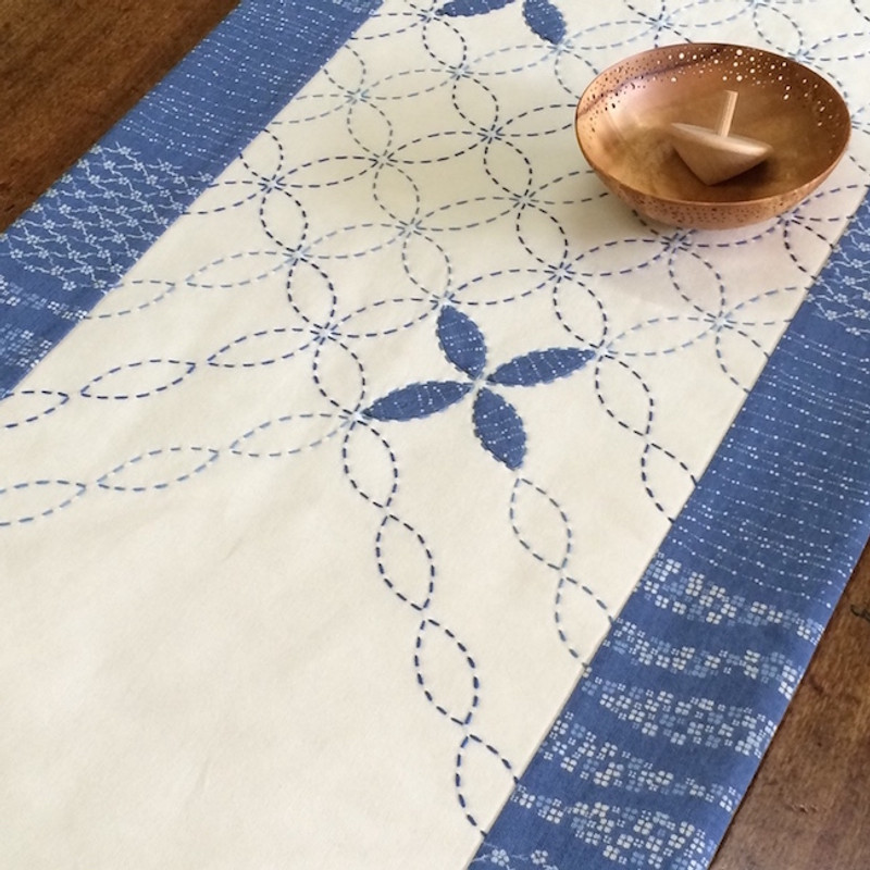 Petal Sashiko Tablerunner Kit